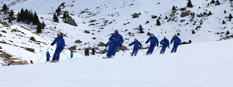 Escuela de esqu de formigal 50 a os formando esquiadores for Jardin de nieve formigal